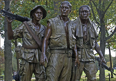 'The Three Soldiers' -- Vietnam War Memorial Washington, D.C. (Flickr - Ron Cogswell)